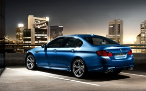 BMW-M5-F10-Wallpaper-023