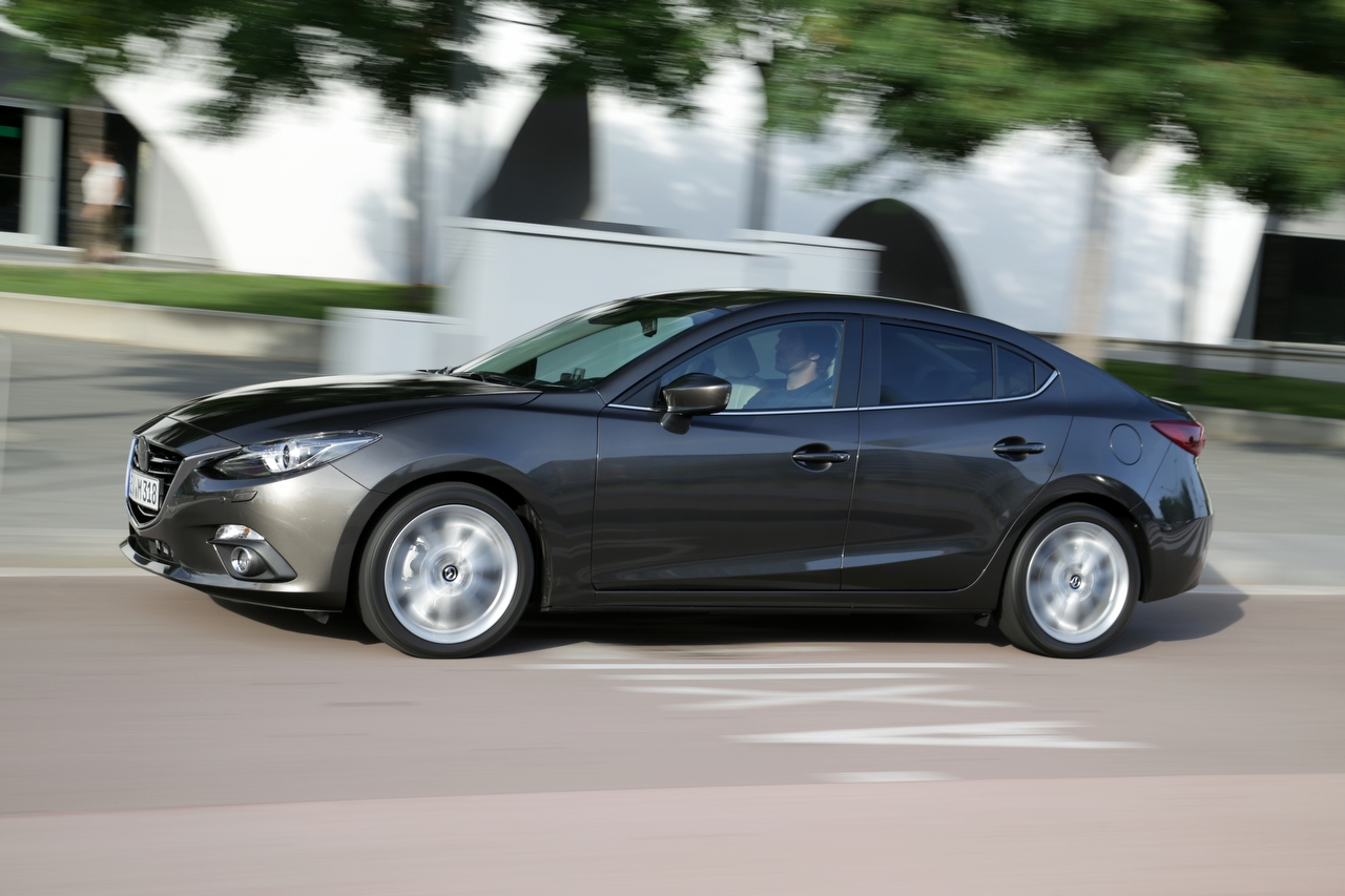 Mazda3_sedan_action_23__jpg72